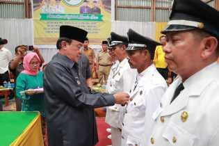 Wardan Lantik 6 Penjabat Kepala Desa di Kecamatan Batang Tuaka