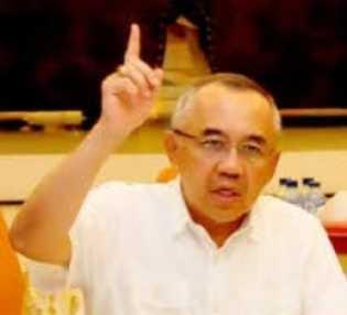 UAS Terima Gelar Adat, Andi Rachman: Beliau Kebanggaan Negeri Lancang Kuning