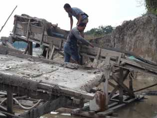 Penambang Emas Tanpa Izin di Perkebunan Sawit PT Duta Palma Nusantara Diciduk
