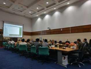 Diadukan LAM Inhu, DPRD Riau Undang 4 Perusahaan Hearing