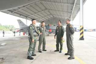 Enam Pesawat Tempur Singapura Mendarat di Pangkalan Rsn