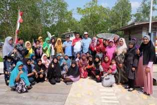 UNRI dan Pemkab Inhil Latih Warga Desa Pulau Cawan Olah Ikan Jadi Produk Bernilai Tinggi
