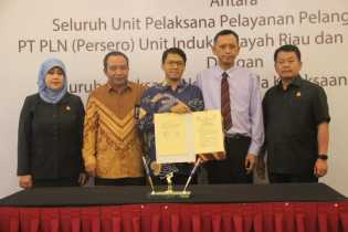 PLN Riau Teken MoU Bidang Perdata Bersama Kejari