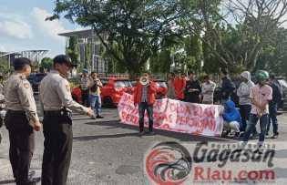 Kapolda Riau Didesak Tindak Tegas Judi Gelper