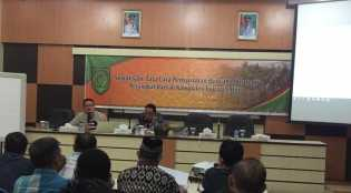HM Wardan 'Tongkrongi' Sosialisasi Penyusunan Renstra Hingga Dini Hari