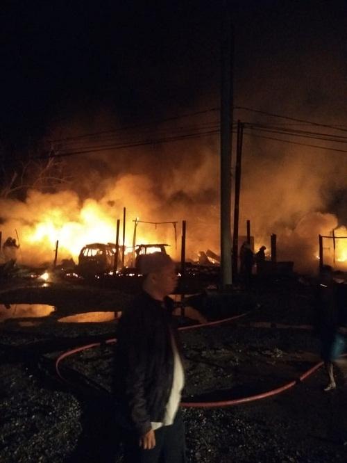 10 Unit Kedai Ludes Terbakar