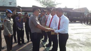 Sukses Cegah Peredaran Sabu, Kapolres Beri Penghargaan untuk 10 Orang Polisi dan TNI