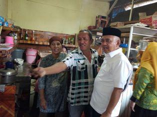 Cagub Andi Rachman Blusukan di Pasar Perawang, Pedagang: Lanjutkan Pak!