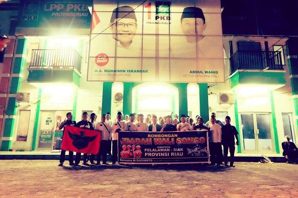 H Sugianto Berangkatkan 50 Tokoh NU Siak-Pelalawan Tour Jawa-Bali