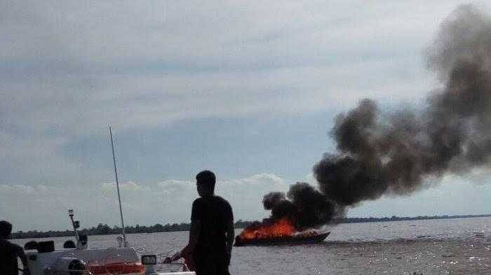 Speedboat Tujuan Tanjung Pinang Kepri Terbakar di Pelabuhan Pulau Kijang