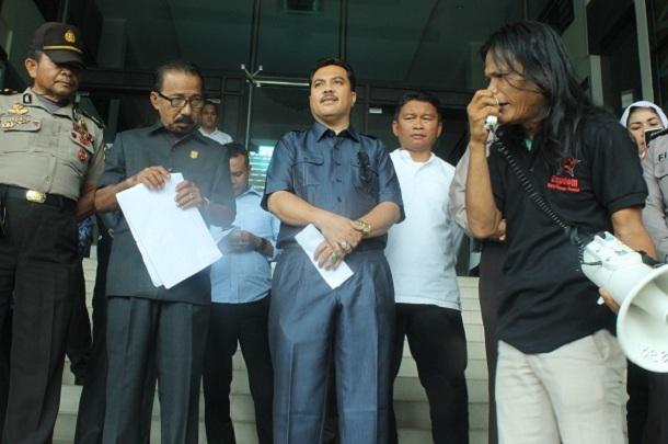 Repdem Riau Akan Pidanakan Gubri Dan Wako Jika PSB Ada Pungli