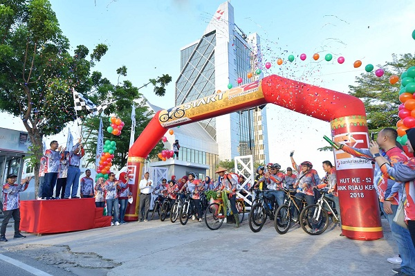 Rayakan HUT ke 52, Bank Riau Kepri Gelar Fun Bike 2018