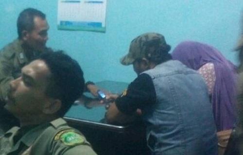 PNS di Kabupaten Meranti, Ditangkap Satpol PP, Bermesra Dengan Bini Orang