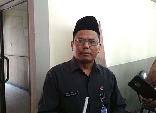 Bawaslu Riau Pinta Disdik Tarik Spanduk di Sekolah-sekolah, Terindikasi Berbau Politik