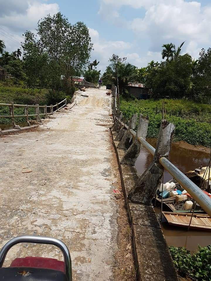 Jalan Rusak di Desa Teluk Kiambang, Kadis PUPR Berikan Klarifikasi