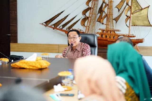 Bupati Wardan Pimpin Rapat Rencana Pelatihan Kepala Desa