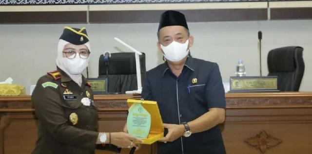 DPRD MoU dengan Kejari Inhil Bidang Tata Usaha Negara dan Legalisir Drafting